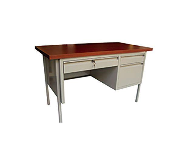 escritorio-metalico-con-tres-cajones